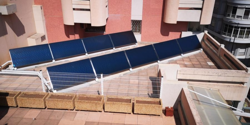 Solar Thermal Panels at the École des Revoires School